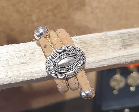 Vente de bijoux en liège à Fourmies